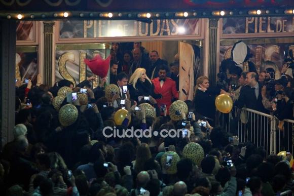 La  despedida de Susana Giménez de la calle Corrientes. (Foto: Movilpress)