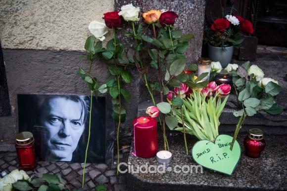 Los fans de David Bowie lloran su muerte (Fotos: AFP).