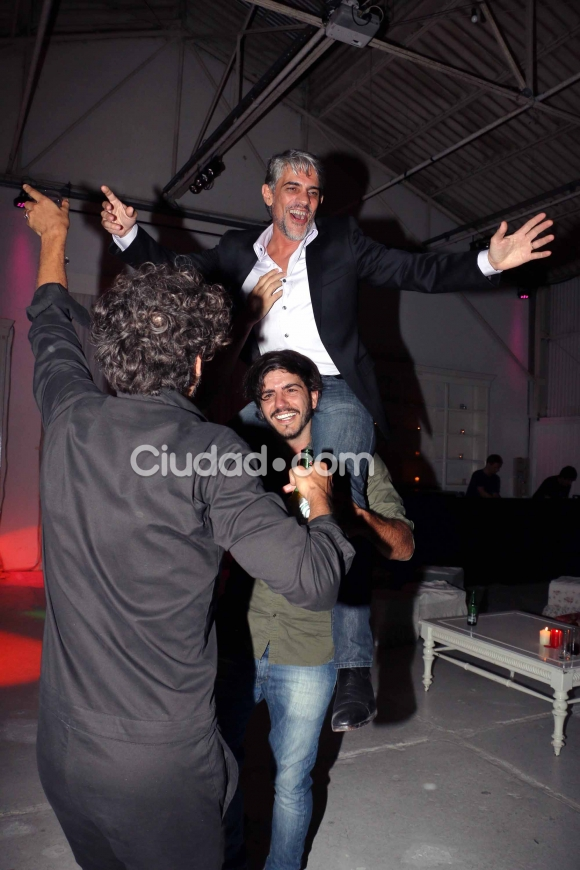 Pablo Echarri con sus compañeros de La Leona.  (Foto: Movilpress-Ciudad.com)