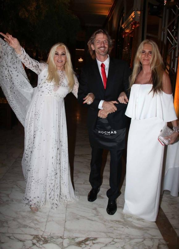 Celebrities, diosas y parejitas en la gala anual de Fundaleu. (Foto: Movilpress)