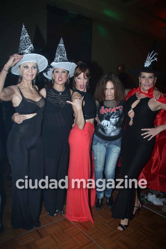 La divertida fiesta de Halloween de los elencos de Faroni: noche de parejitas, dancing y disfraces. (Foto: Movilpress)