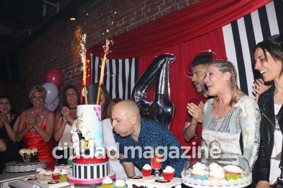 El divertido cumpleaños de José María Muscari. (Foto: Movilpress)