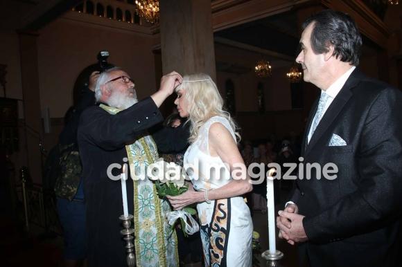 Adriana Aguirre y Ricardo García renovaron sus votos de casados con una ceremonia griega (Foto: Movilpress)