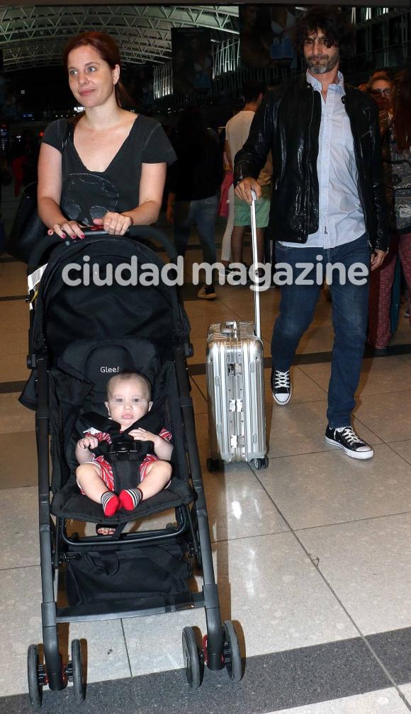 Agustina Kämpfer y su novio, Carlos Gianella, viajaron a Brasil (Fotos: Movilpress).