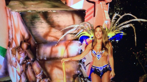 Jimena Barón bailó a pura sensualidad en el Carnaval de Dolores