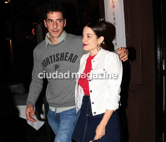 Esteban Lamothe y Katia Szechtman, súper enamorados. Foto: Movilpress