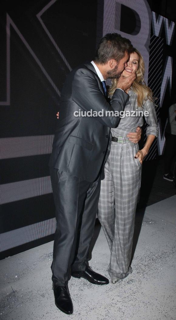 Marcelo Tinelli y Guillermina Valdés, a los besos en BAFWeek (Movilpress)