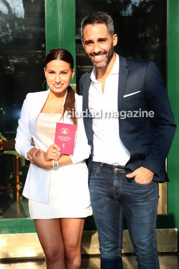 Las fotos del casamiento por civil del Pollo Álvarez y Tefi Russo. Foto: Movilpress