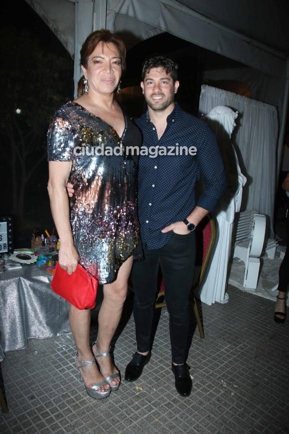 Lizy Tagliani y Leo Alturria en el cumpleaños de Salvador Uriel. (Foto: Movilpress)