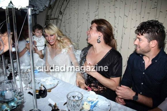 La familia Xipolitakis en el cumpleaños de Salvador Uriel. (Foto: Movilpress)