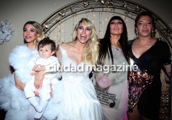 Vicky Xipolitakis, Estefanía Xipolitakis, Moria Casán y Lizy Tagliani en el cumpleaños de Salvador Uriel. (Foto: Movilpress)