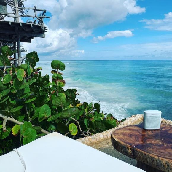 Las increíbles vacaciones de Florencia Peña y su marido: topless en las playas de Tulum