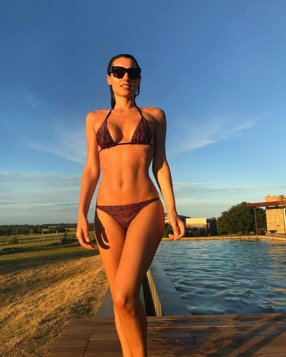 Pampita, diosa en bikini en las playas de Punta del Este