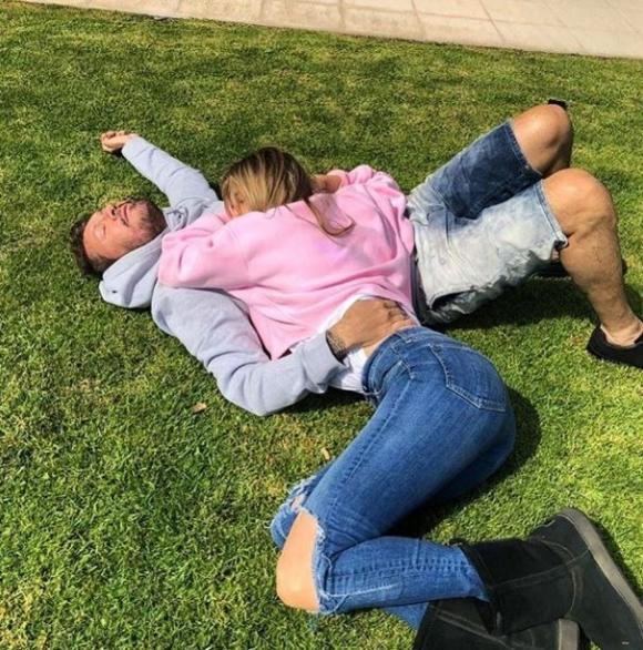 Los días de Marcelo Tinelli y Guillermina Valdés en Necochea junto a Lolo: mimos y juegos bajo el sol otoñal