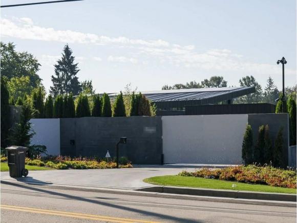 Así es la mansión a la que se mudaron Luisana Lopilato y Bublé en Canadá: ¡pista de hockey en el sótano!