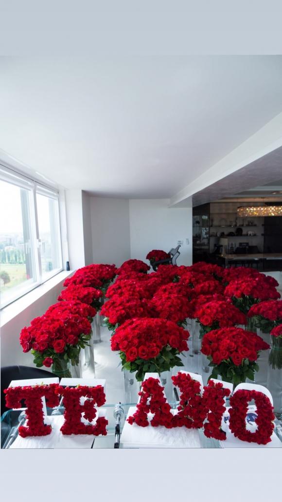 El romántico gesto de Wanda Nara con Mauro Icardi por su aniversario: ¡llenó la casa con un millón de rosas!