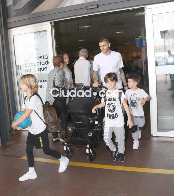 Wanda e icardi llegaron al pa s mir cu ntas valijas for Ciudad com ar espectaculos