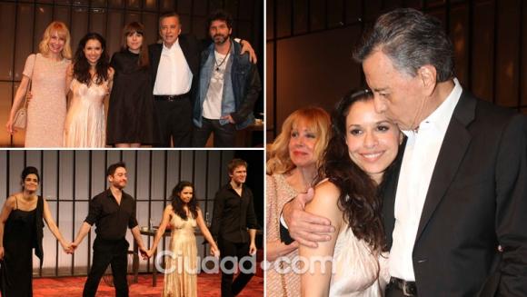 ¡Noche de estreno! Julieta Ortega debutó en teatro acompañada por Iván Noble y su familia. (Foto: Movilpress)