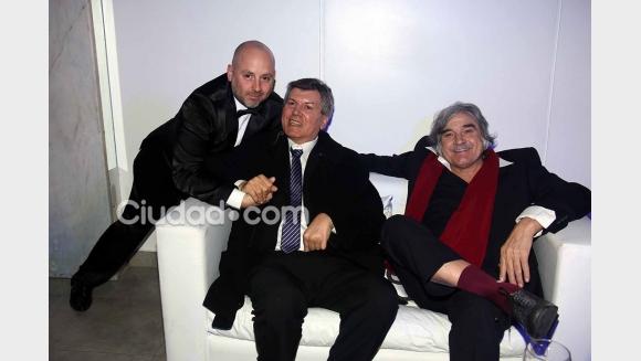 José María Muscari, Carlos Calvo y Lito Cruz en el evento de la Casa del Teatro. (Foto: Ciudad.com - Movilpress)