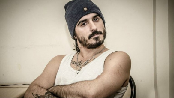 El descargo de Santiago Aysine, cantante de Salta la Banca, tras las denuncias de abuso que se viralizaron en Twitter.