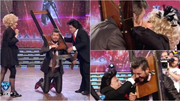 El Bicho Gómez y Anita Martínez atraparon a Tinelli en una guillotina. Foto: Captura